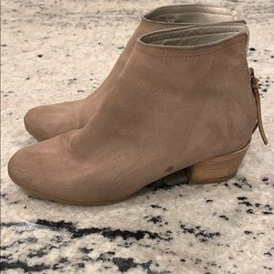Kenneth Cole Reaction Shoes - Tan booties